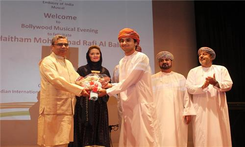 A Bollywood Musical Evening was organized by Ambassador to felicitate Mr. Haitham Mohammad Rafi Al Balushi, Crowned Winner of an Indian International talent show, Dil Hai Hindustan at Embassy Auditorium on 25th May 2017.