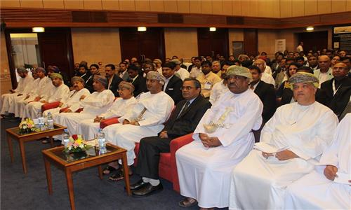 Indian Embassy organized a B2B Meeting on 14 March 2017 for Indian and Omani companies participating in BIG Show Oman. H.E. Dr. Ali bin Masoud bin Ali Al Sunaidy, Minister of Commerce and Industry of Oman was the Chief Guest at the B2B Meeting. Over 300 representatives of Omani companies participated in business interactions with Indian delegates representing about 75 Indian companies participating in BIG SHOW Oman (13-16 March 2017) under the leadership of FICCI and FIEO.