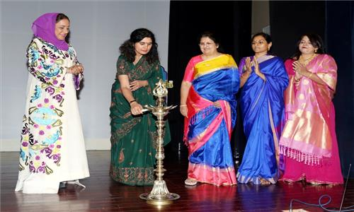 Embassy celebrated International Womens Day on 8th March 2017 at Embassy Auditorium, which was attended by over 300 Indian and Omani Women from all walks of life. Ten Indian women were honoured for their exceptional achievements in fields such as Art, Education, Social Welfare, Literature, Medicine, Yoga and Business.