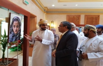 Ambassador was invited to inaugurate an exhibition of photographs taken by Mr. Abdul Aziz Al Shukaili in India and Oman, which was followed by a meet with the entire family of Oman Observer including Editor-in-Chief- Mr. Abdullah bin Salim Al Shueili.