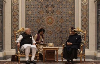 Honourable Prime Minister of India, Shri Narendra Modi, met with His Majesty Sultan Qaboos bin Said at Bait Al Barkha, Royal Palace. The two leaders agreed on steps to expand the strategic partnership between the two countries to new areas. They will also exchange views on regional and global issues of mutual interest