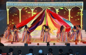 Ambassador was invited as Chief Guest to the Annual 'DDA La Fest' which was organized by Delicious Dance Academy to celebrate their 10th Anniversary. Among the distinguished cine artists invited from India, was well know actress Ms. Neha Sharma.