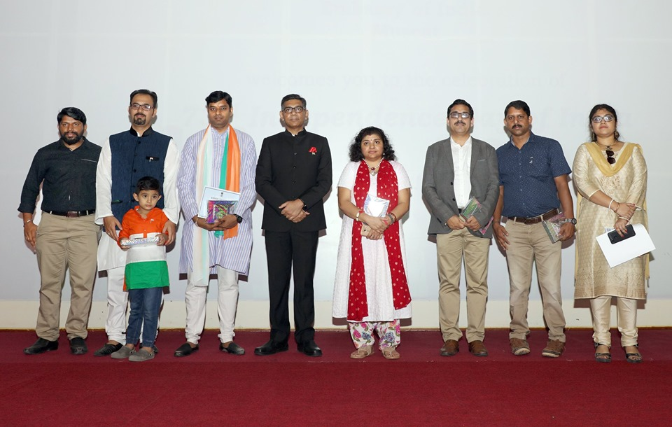 The winners of Monthly Online Gandhi Quiz of May, June, July and August, were awarded by H.E. Munu Mahawar, Ambassador of India to the Sultanate of Oman.