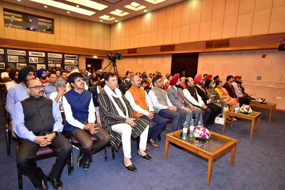 Good of Humanity (Sarbat da bhala)!  The Indian community in Oman paid respect & listened to the teachings of Shri Guru Nanak Dev Ji at an event organized by Embassy, organized in association with Gurudwara Management Committee, Muscat to commemorate #GuruNanak550.